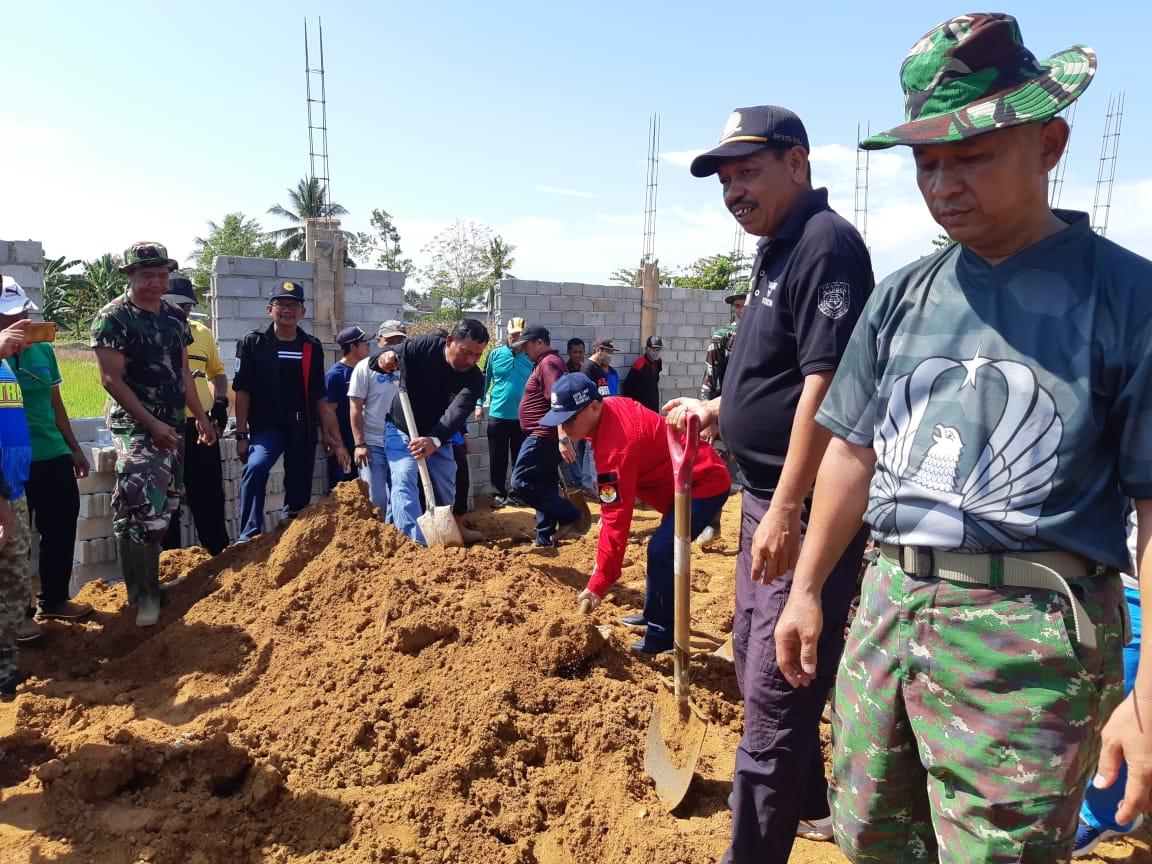 Bupati Mamuju Tengah Gelar Karya Bhakti Pembangunan Kantor Koramil Topoyo