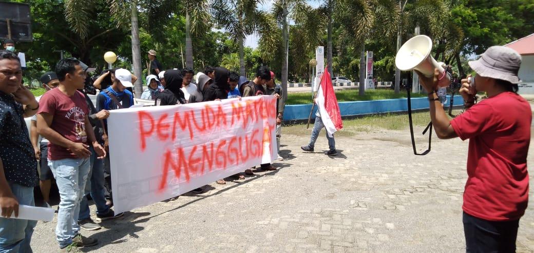 Gelar Unjuk Rasa, Aliansi Pemuda dan Mahasiswa Mamuju Tengah Tuntut DPRD Tuntaskan Masalah di Desa