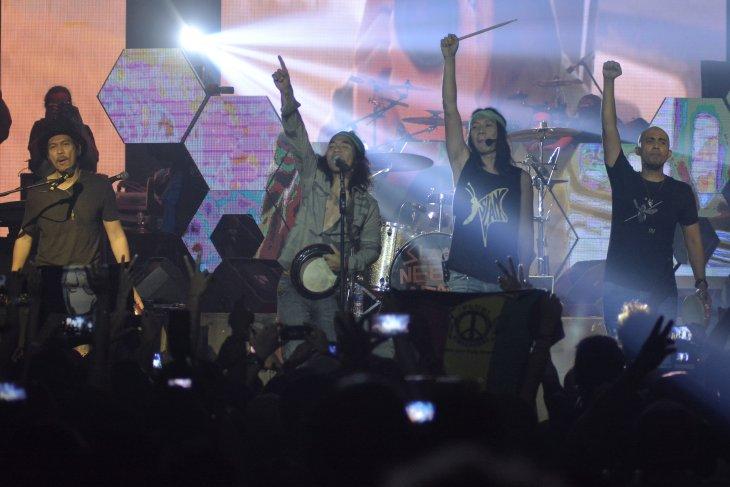 Histori Rock Indonesia, Slank tawarkan pilihan berbeda