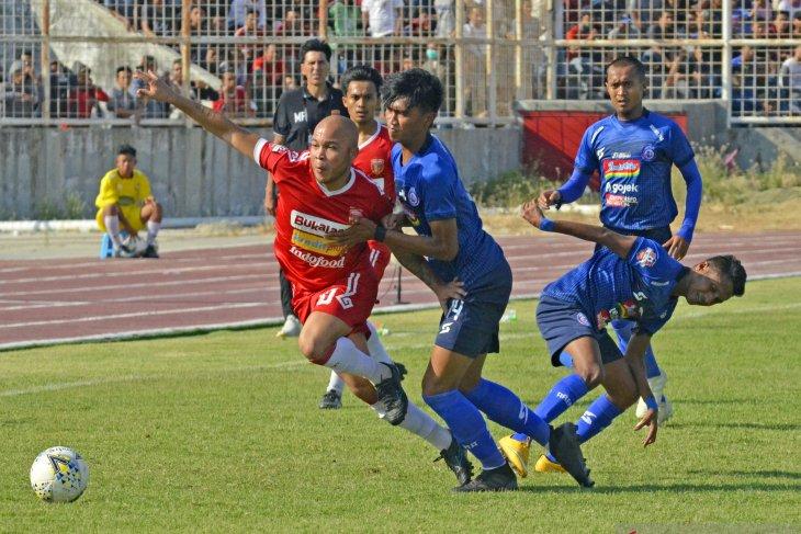 Perseru Badak Lampung kalahkan Arema 4-3