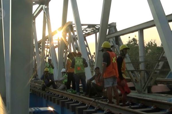 Daop 7 Madiun pantau kondisi jembatan baru