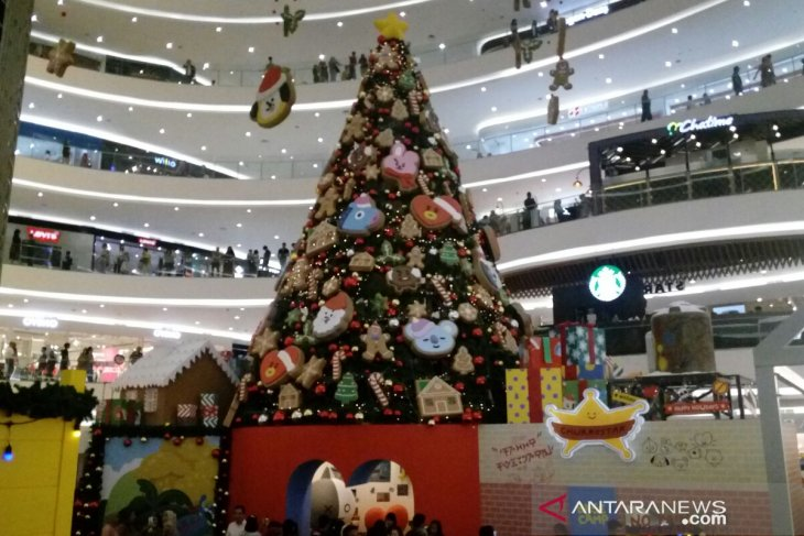 Dekorasi Natal unik di mal Jakarta, cemara raksasa hingga SpongeBob