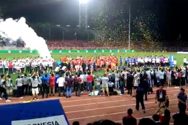 Timnas bola Indonesia harus relakan emas untuk Vietnam