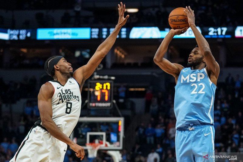 Leonard bawa Clippers benamkan Wolves ke kekalahan kesebelas beruntun