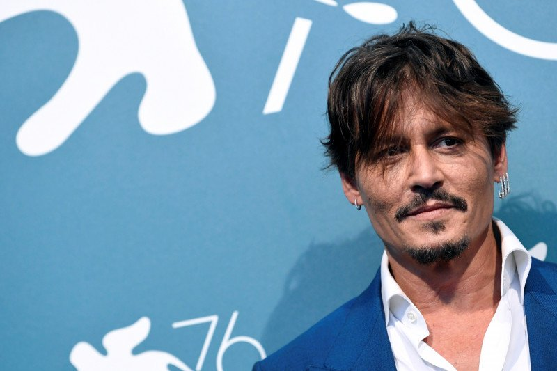 Merasa difitnah, Johnny Depp hadapi surat kabar Inggris di pengadilan