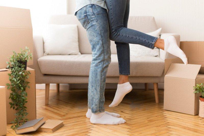 Agar tetap akur dengan pasangan selama karantina di rumah