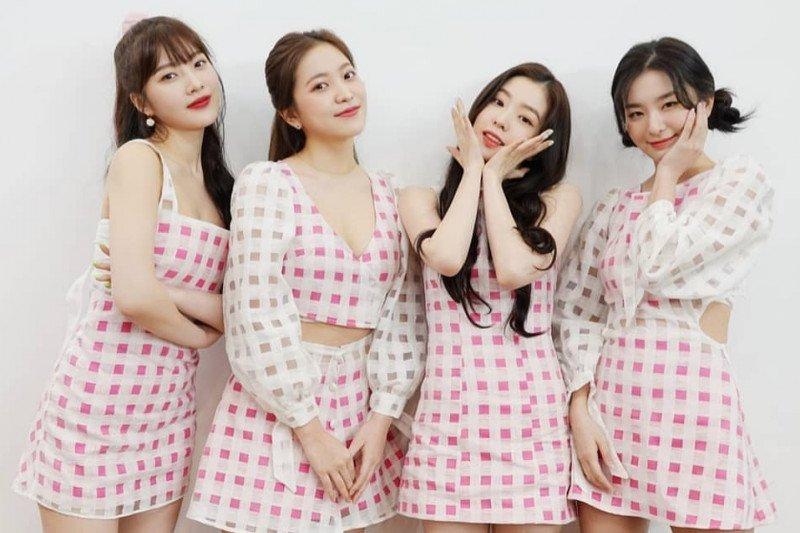 """Informasi di """"subway"""" Seoul pakai suara Joy dan Seulgi Red Velvet"""
