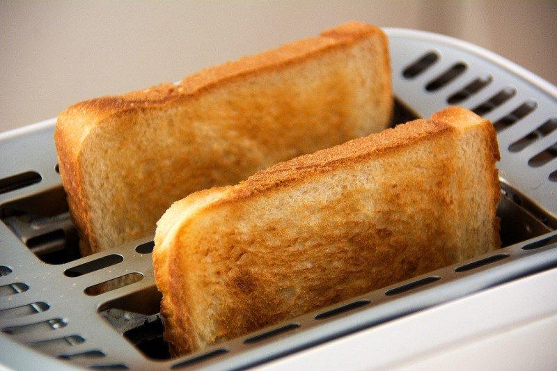 """Resep sarapan berbahan stroberi, """"Berry Sesame Toast"""""""