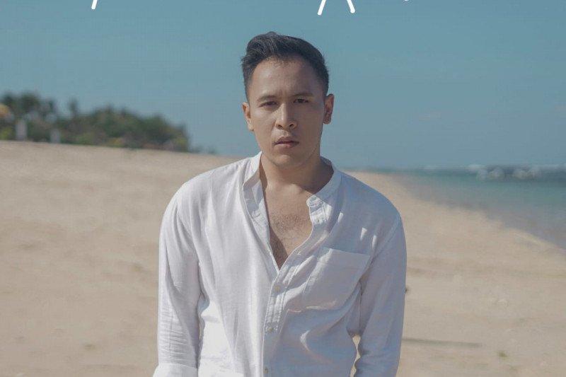 "TB Aji rilis lagu debut ""Tukar Rasa"""