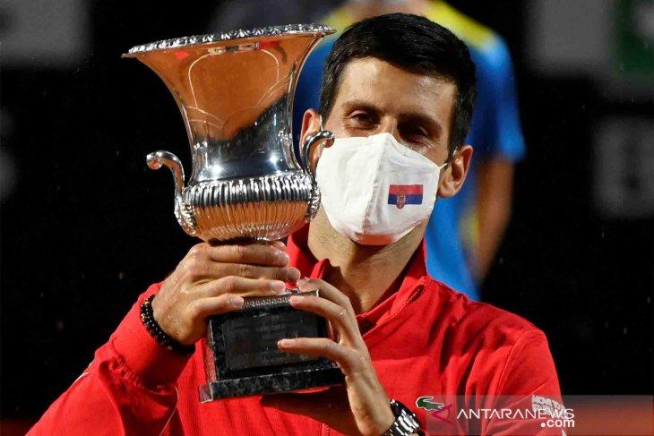 Juara Italia Terbuka untuk kelima kalinya, Djokovic pecahkan rekor