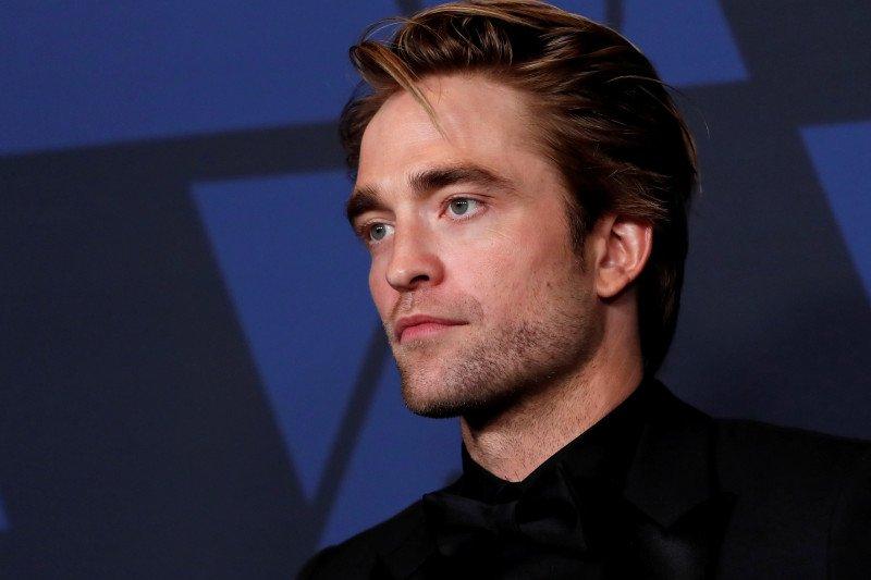 Syuting Batman berlanjut setelah Robert Pattinson disebut terinfeksi