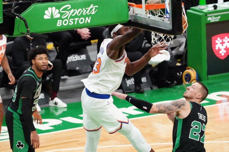 Knicks gasak Celtics dengan selisih besar 105-75