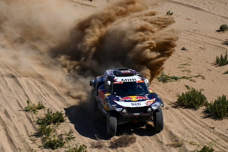 Sainz juarai etape pertama Reli Dakar