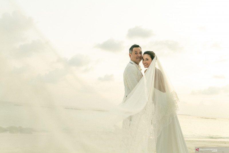 Julie Estelle menikah dengan David Tjiptobiantoro