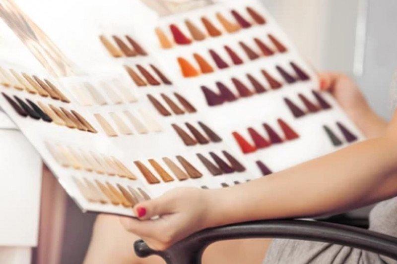 Warna cokelat dan vivid akan menghiasi tren warna rambut 2021