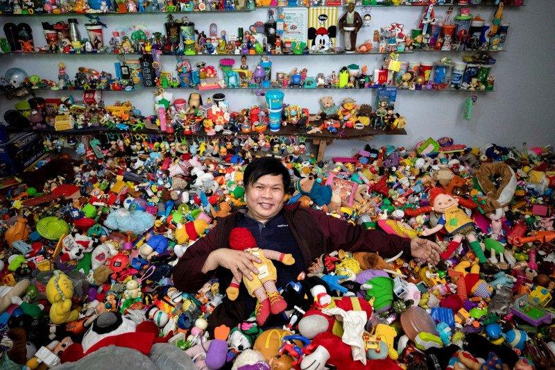 Pria Filipina punya koleksi 20.000 mainan dari restoran siap saji