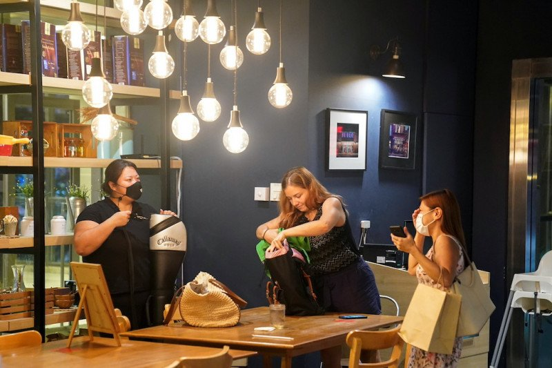Ribuan restoran di Bangkok kembali tutup
