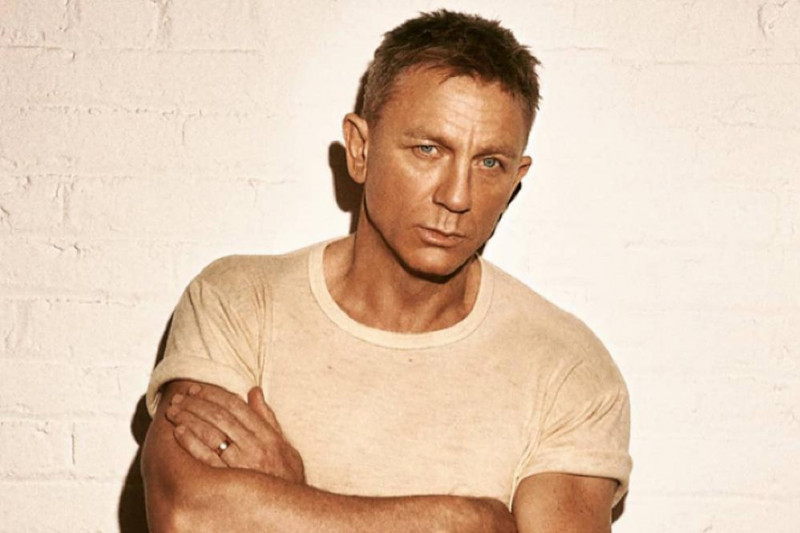"""Daniel Craig dinobatkan jadi aktor termahal berkat """"Knives Out"""""""