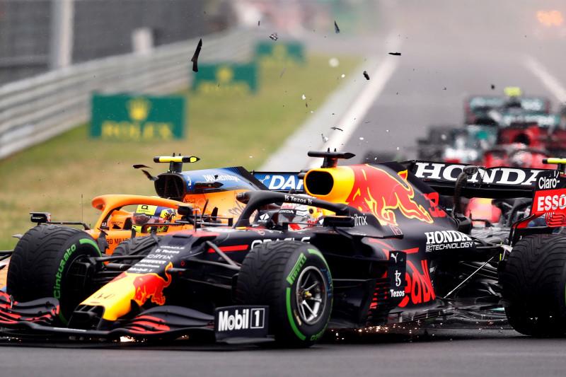 "Verstappen merasa ""disingkirkan"" lagi oleh pebalap Mercedes"